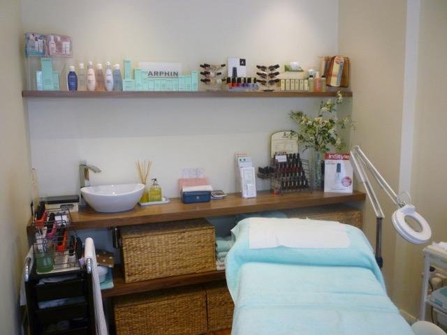 Beauty Salon Floating Shelving