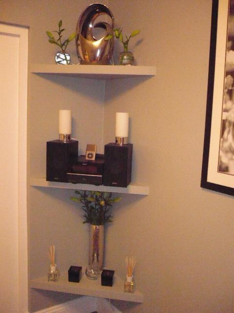 Corner Shelves 002