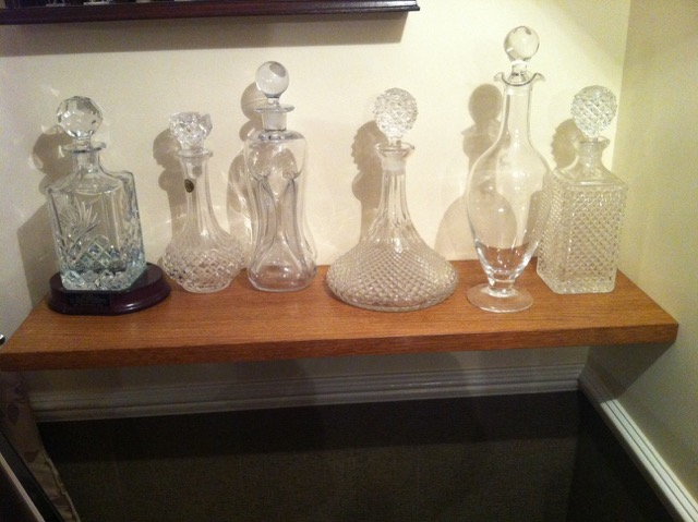 Decanter shelf